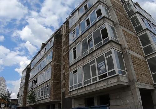 Украинский недострой нависает над домами севастопольцев