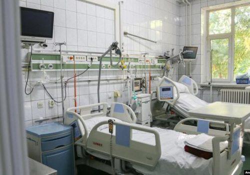 О разворачивании дополнительных коек для больных COVID-19 сообщили власти Крыма