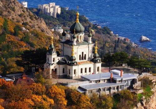 МакSим переболела коронавирусом и уехала молиться в Крым