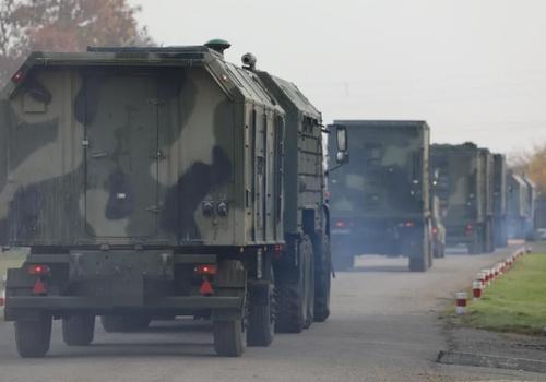 Россия стягивает тысячи военных в Крым
