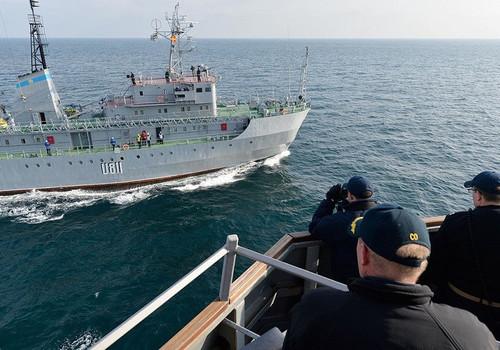 Украинское судно наткнулось на неизвестный объект в Черном море