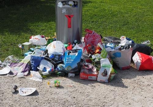Ялта «утопает» в мелком мусоре