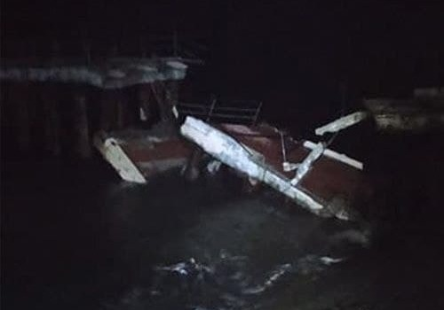 Ночью в курортном поселке Крыма обвалился причал