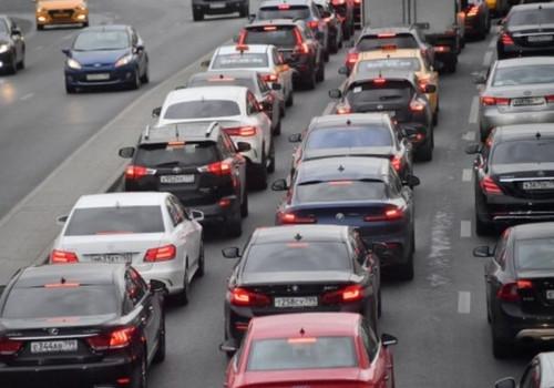 Количество автомобилей в Крыму за семь лет увеличилось в пять раз до 400 тысяч