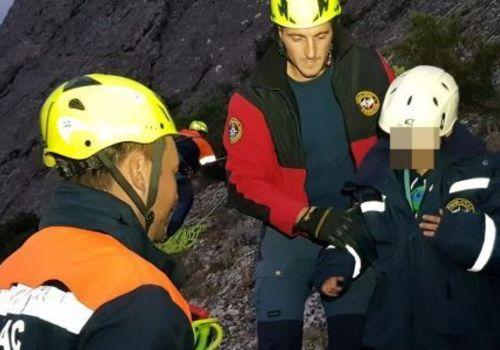 Восьмилетний мальчик полтора часа ждал помощи на скале в Крыму
