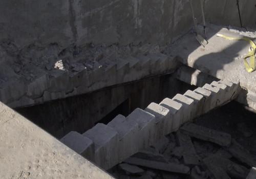 В подземном переходе в Севастополе могут обрушиться лестницы