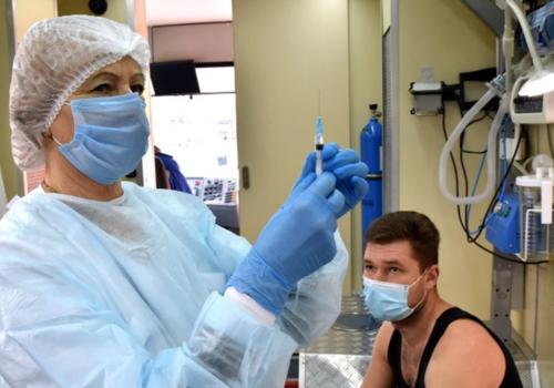 В крымском Минздраве рассчитывают снять прививочный ажиотаж выездными бригадами