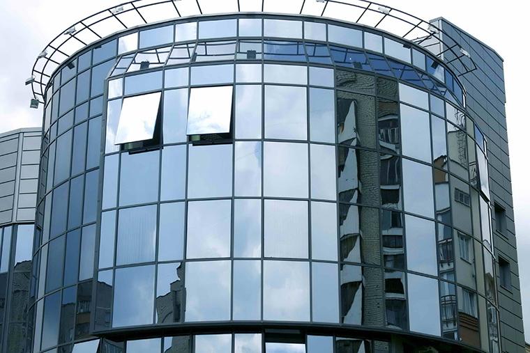 Панорамное остекление фасадов – стильно, современно и недорого