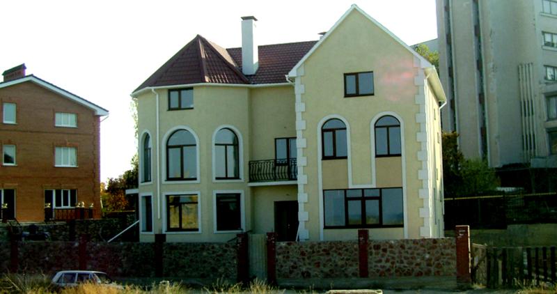 Строительство домов под ключ в Севастополе – из новейших материалов по цене однокомнатной квартиры