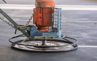 Механизированная стяжка пола, штукатурка стен в Симферополе – ООО «КрымТехКаркас»: высокое качество!