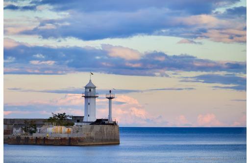 Ялтинский маяк: где находится, история появления, фото